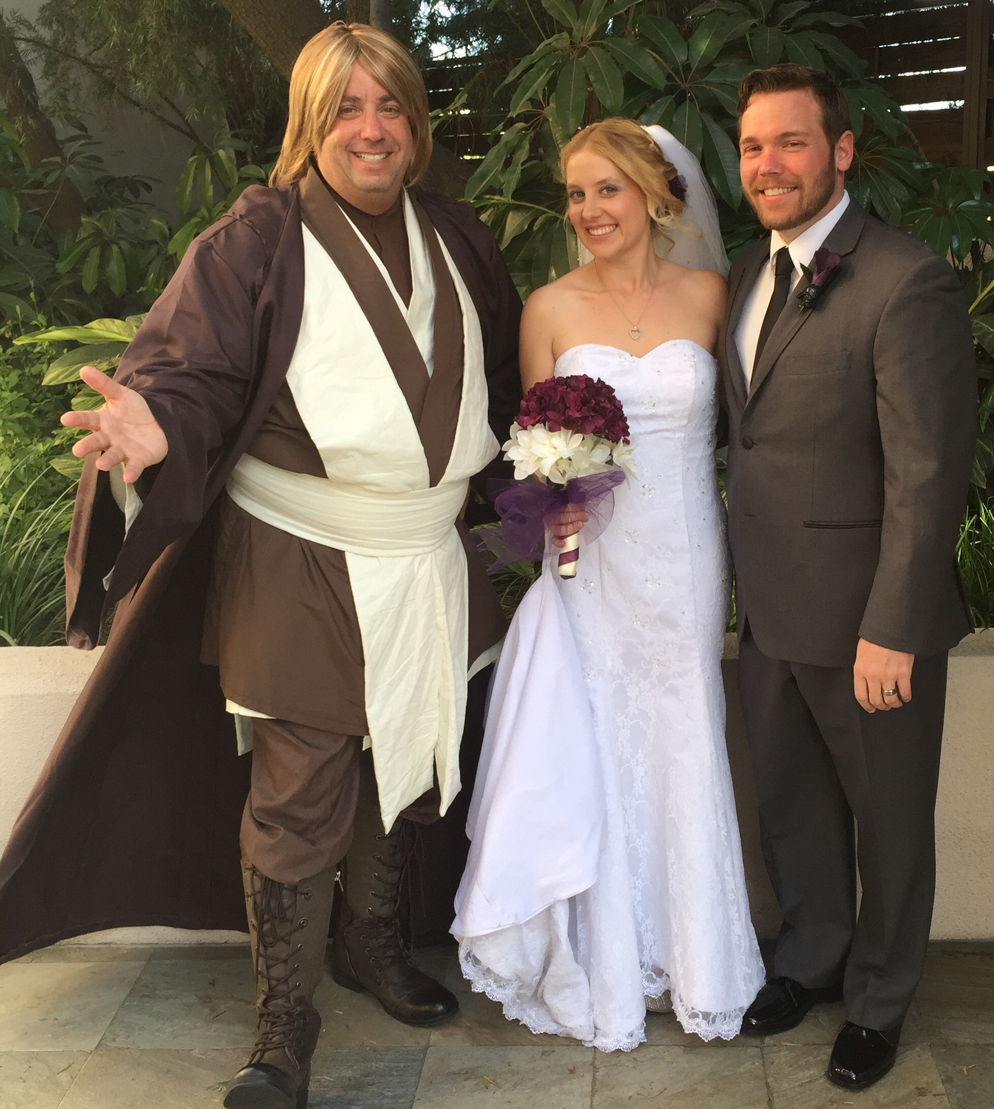 Star Wars Wedding Ceremony on May the Fourth Be With You. - Great ...